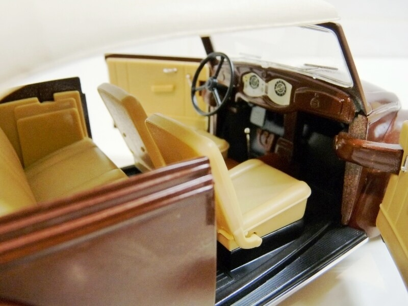 Volkswagen Coccinelle Cabriolet - 1949 - Solido 1/18 ème Volksw41