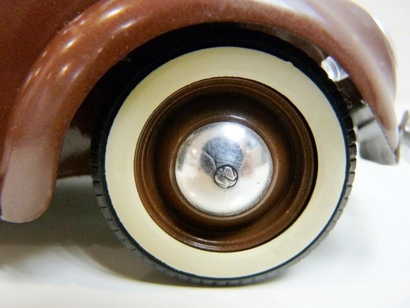 Volkswagen Coccinelle Cabriolet - 1949 - Solido 1/18 ème Volksw42