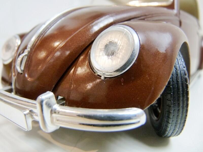 Volkswagen Coccinelle Cabriolet - 1949 - Solido 1/18 ème Volksw43