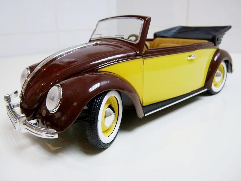 Volkswagen Coccinelle Karmann Cabriolet type 15 A - 1949 - Solido 1/18 ème Volksw48