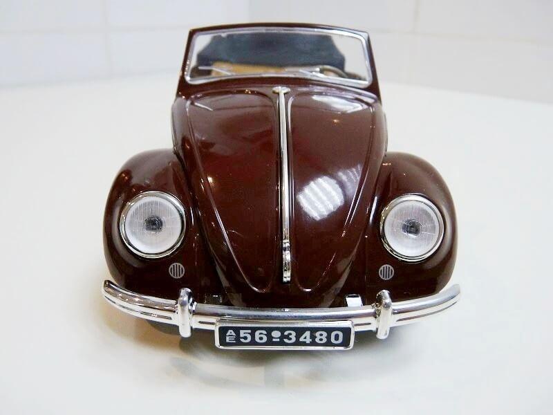 Volkswagen Coccinelle Karmann Cabriolet type 15 A - 1949 - Solido 1/18 ème Volksw50