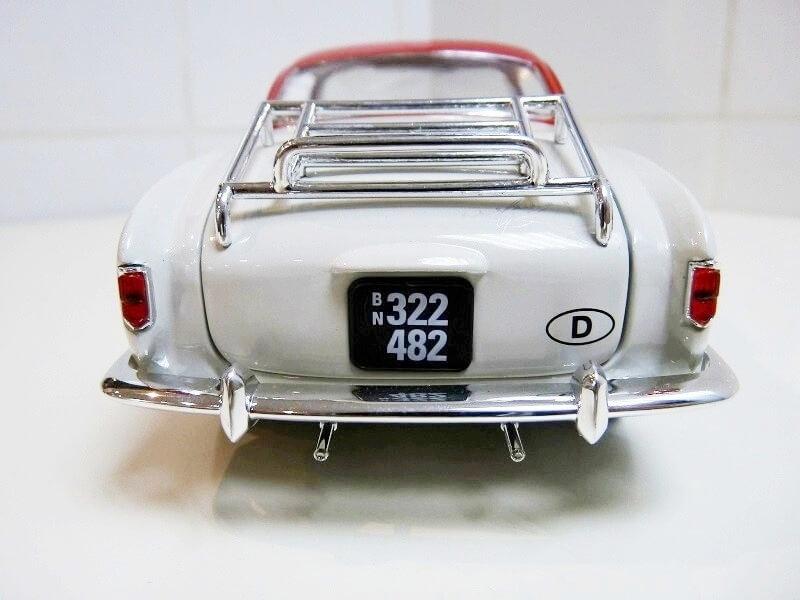 Volkswagen Karmann-Ghia coupé - 1956 - Solido 1/18 ème  Volksw53