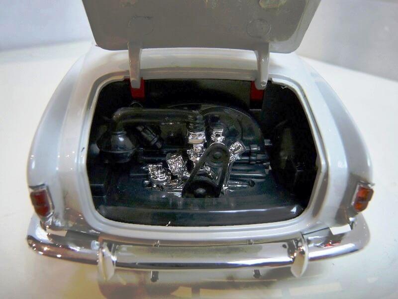Volkswagen Karmann-Ghia coupé - 1956 - Solido 1/18 ème  Volksw59