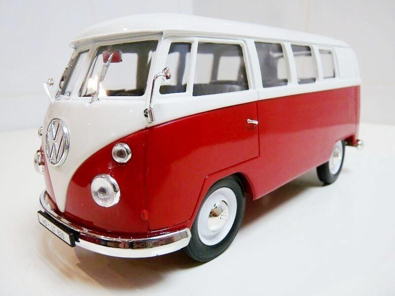 Volkswagen Combi - 1966 - Solido 1/18 éme Volksw72