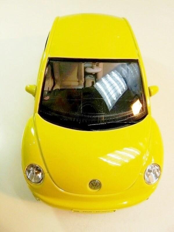 Volkswagen New Beetle - 1998 - Bburago 1/18 ème Volksw83