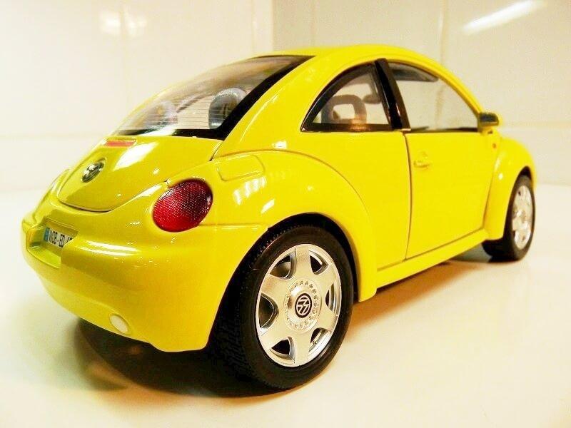 Volkswagen New Beetle - 1998 - Bburago 1/18 ème Volksw84