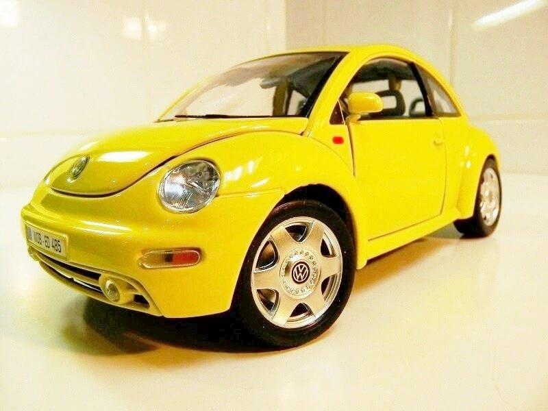 Volkswagen New Beetle - 1998 - Bburago 1/18 ème Volksw85