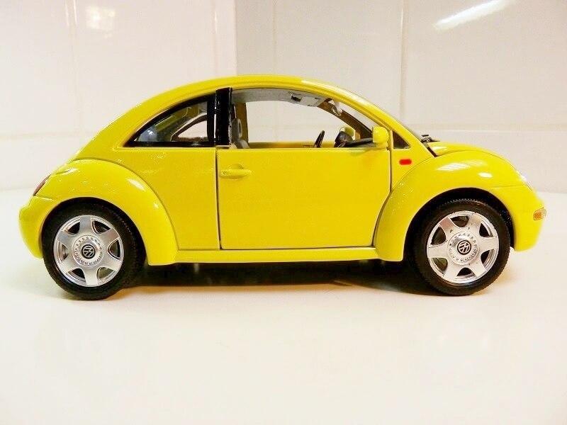 Volkswagen New Beetle - 1998 - Bburago 1/18 ème Volksw91