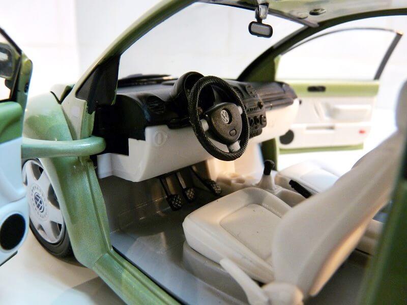 Volkswagen New Beetle - 1998 - Bburago 1/18 ème Volksw94