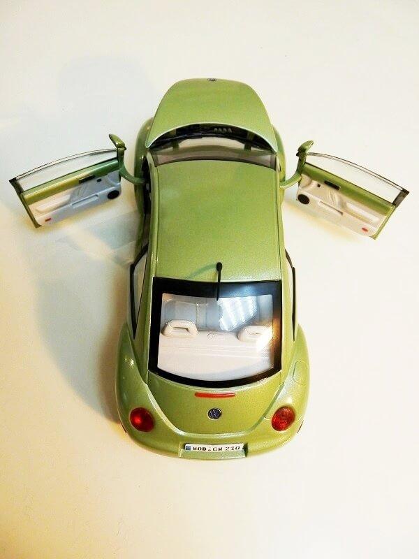 Volkswagen New Beetle - 1998 - Bburago 1/18 ème Volksw96