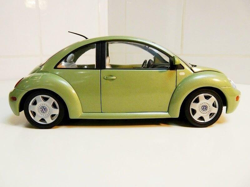 Volkswagen New Beetle - 1998 - Bburago 1/18 ème Volksw97