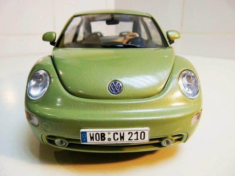 Volkswagen New Beetle - 1998 - Bburago 1/18 ème Volksw98