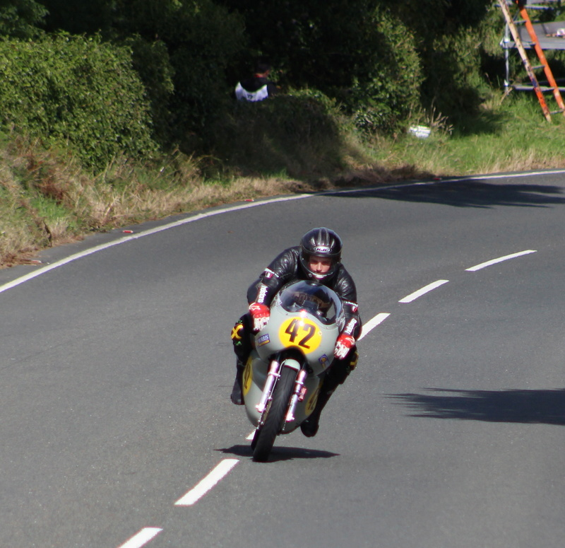 [Road Racing] Classic TT et Manx Grand Prix 2017 - Page 8 Img_2012