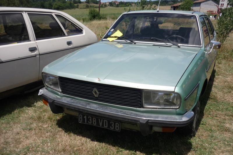 Rassemblement de voitures anciennes à Frugières le Pin  (43) P1110412