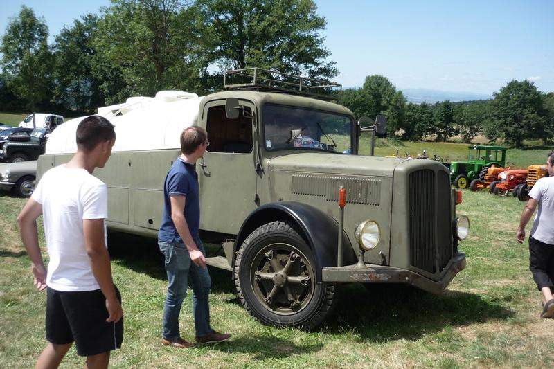 Rassemblement de voitures anciennes à Frugières le Pin  (43) P1110419