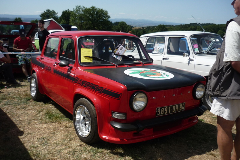 Rassemblement de voitures anciennes à Frugières le Pin  (43) P1110423