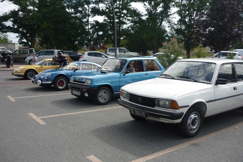 Vide grenier et expo de voitures anciennes à Beauregard Vendon 63 P1110626