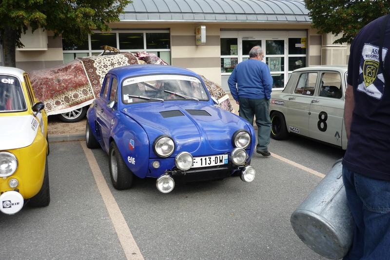 Vide grenier et expo de voitures anciennes à Beauregard Vendon 63 P1110648