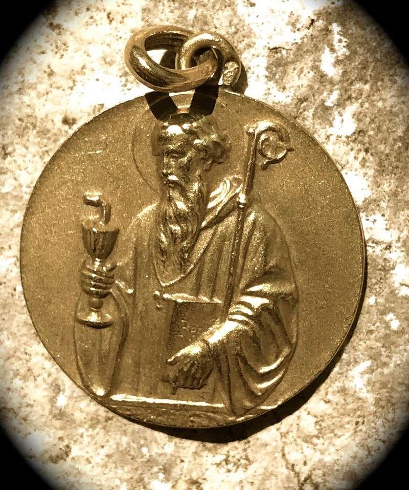 Médaille Saint Benoit  de Nursi en Or !!!!!!!!! Img_2710