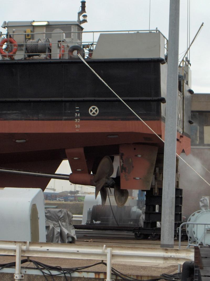 Le P901 CASTOR en cale sèche à Ostende Hpim3717