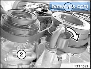 [ BMW E90 320d M47N2 an 2007 ] Remplacement pompe a eau 311