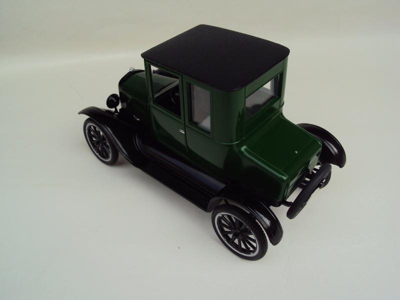 1925 Ford Model T coupé Dsc02923
