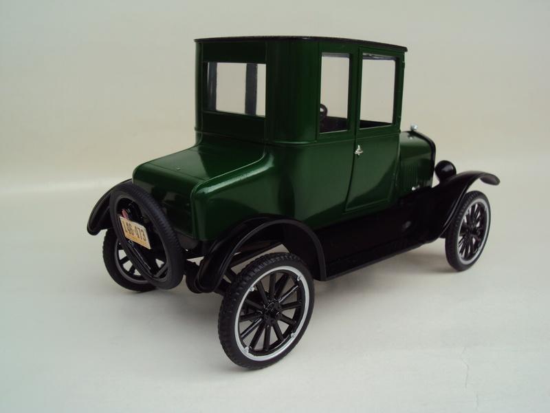 1925 Ford Model T coupé Dsc02926