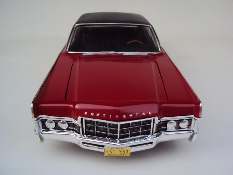 Lincoln Continental 1969 restaurée Dsc03025