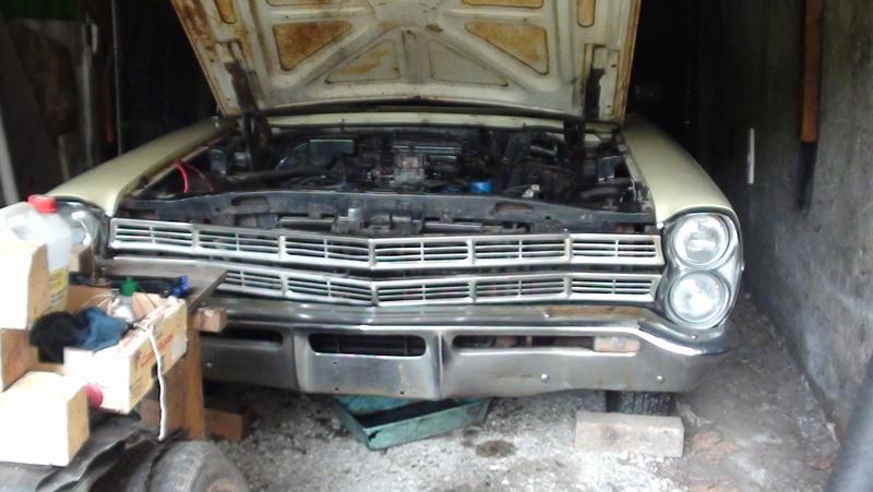 je connais une Ford break 1971 Windsor 351  Dsc02415