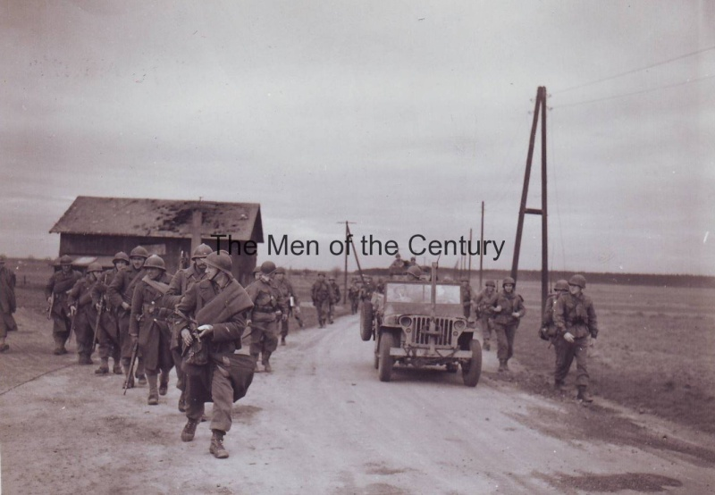 """100th Infantry Division """"Century"""" 10049022"""