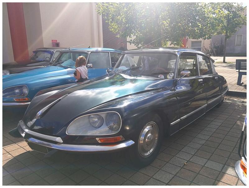 Photos Exposition de voitures anciennes de toutes marques ( Le 09/09/2017 ) Photo_18