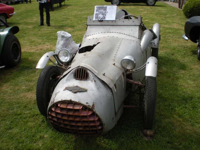 Musée des horreurs et délires automobiles - Page 2 Dscn1910