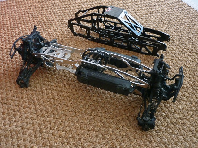 "HPI Savage 6 roues chassis ""Patoch Racing"" P1080116"