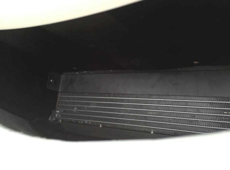 Volet de capot (refroidissement moteur) Img_5911