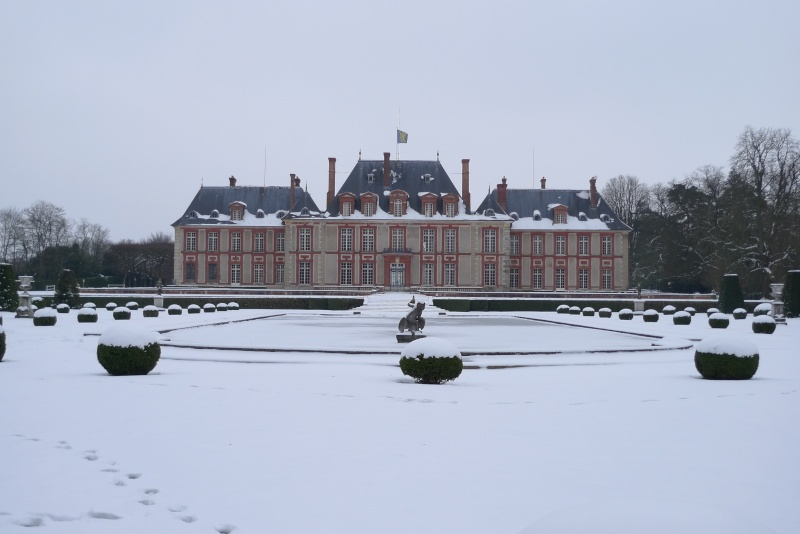 Visite du Comte chez le Baron de Breteuil - Page 3 P1030020