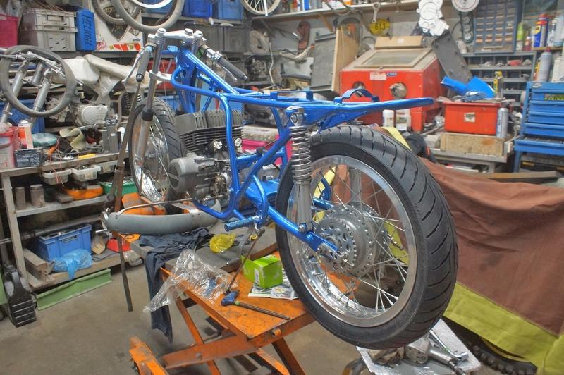 125 Suzuki RT 67 Sheene Réplica Dsc01310