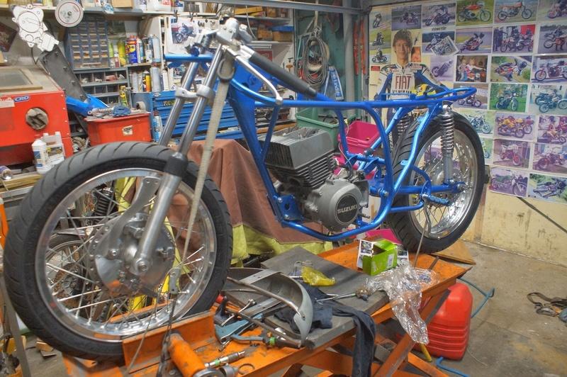 125 Suzuki RT 67 Sheene Réplica Dsc01311