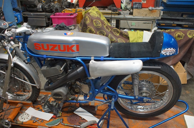 125 Suzuki RT 67 Sheene Réplica Suz_bs30