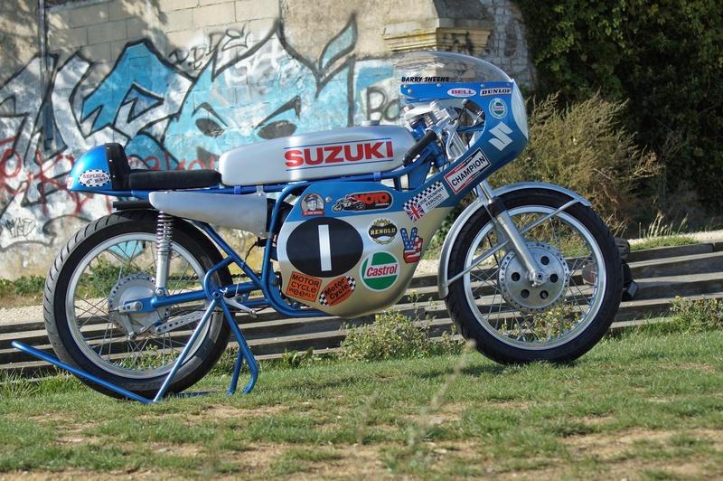125 Suzuki RT 67 Sheene Réplica - Page 2 Suz_bs35