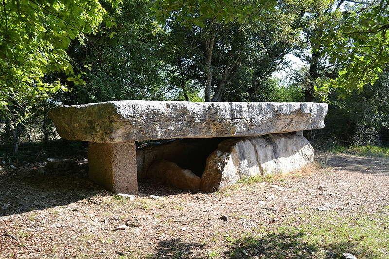 Le menhir de Bélinac (Lot) Livern10