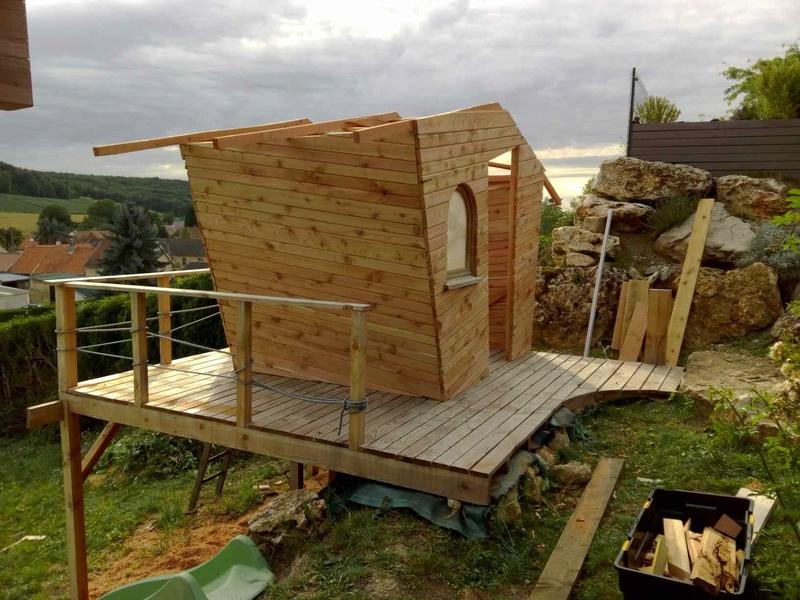 Projet de toboggant pour la cabane dans les arbres de mon fils, vos idées? - Page 3 Img_2036