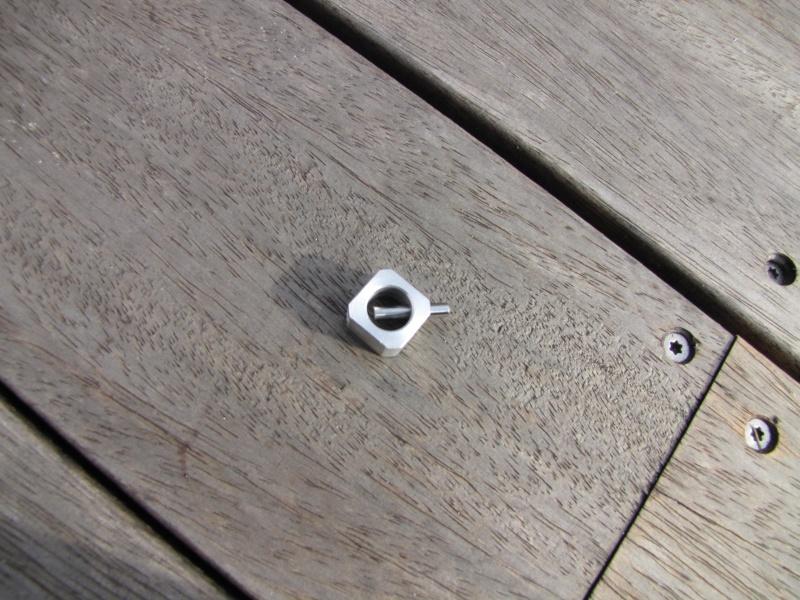 Axes de roues AV & AR HOME MADE pour roues FG Img_0211
