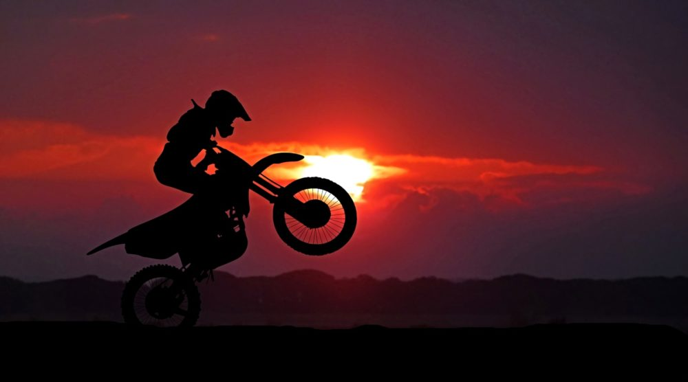 Four Wheels move the Body. Two Wheels move the Soul. - Página 8 Motorc11