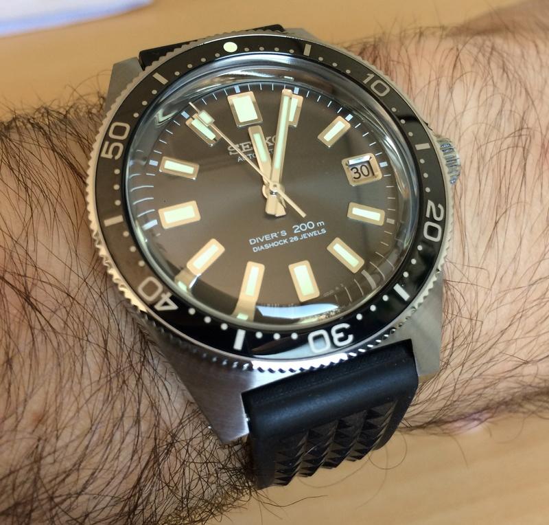 montres de + de 1000 euros - Page 43 Photo210