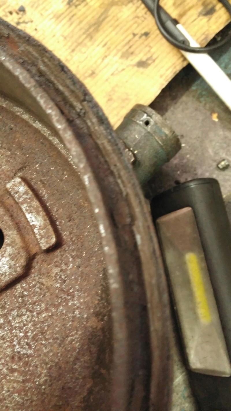 Rodamiento,zapatas,bombines eje trasero, sustituir ? Img_2011