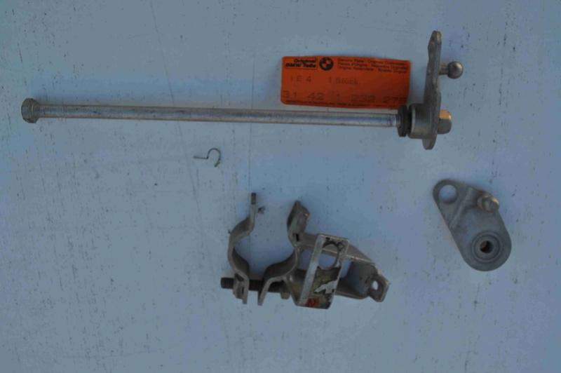 Cadre de R75/5 - Amortisseur de direction  1310
