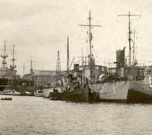 * LURONNE (1917/1942) * Luronn10