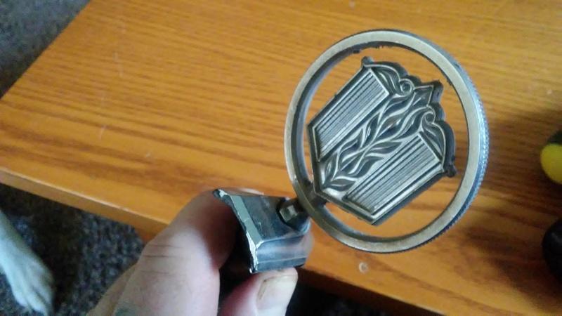 2 Malibu Classic Hood Emblems  19264210