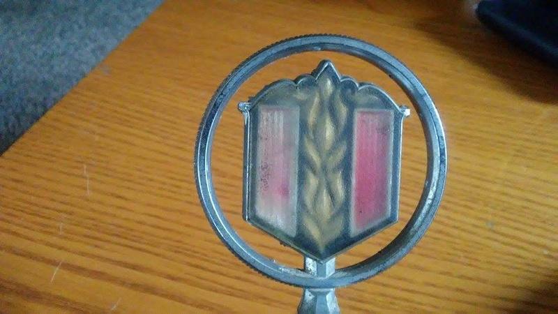 2 Malibu Classic Hood Emblems  19668310