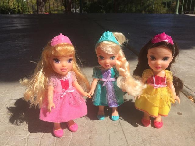 Ma collection des poupées des films de DISNEY - Page 7 Img_6710